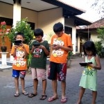 4 bersaudara with their Gadget